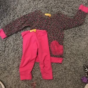 2T pink gray 2 piece outfit